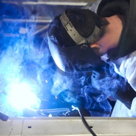 5 Challenges Facing the Auto Manufacturing Industry