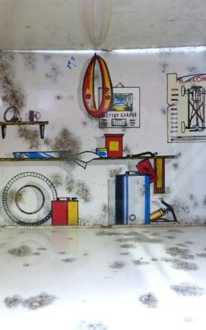 1950's Tin Dollhouse & Garage