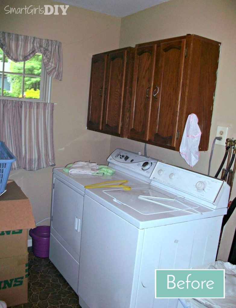 Laundry room makeover - Before