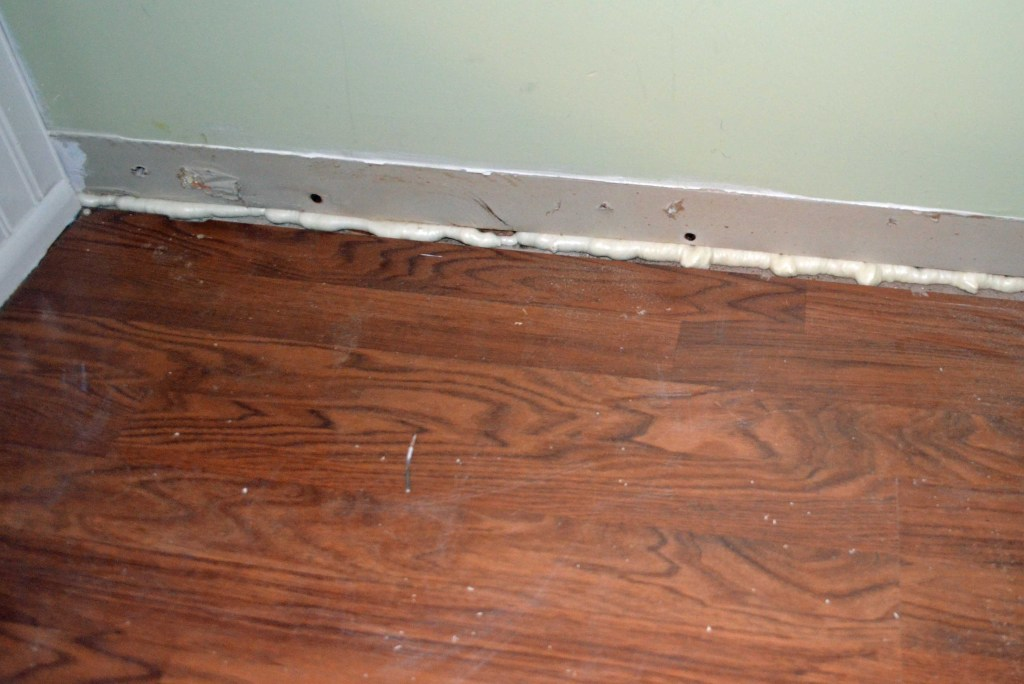 Filling gap under drywall with Great Stuff