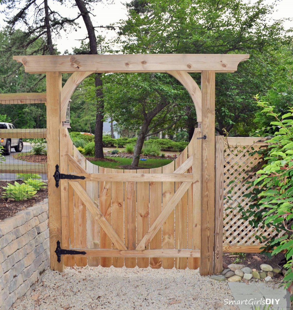 Back of DIY arbor gate - How to build a wood gate for your fence
