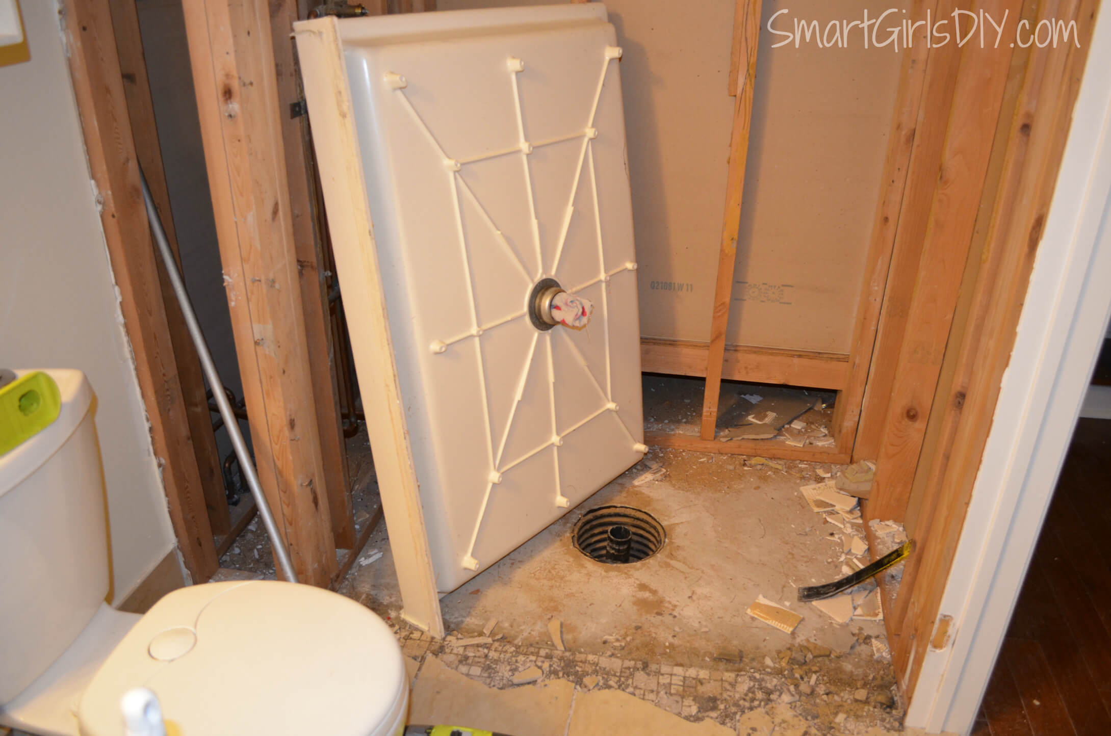 Diy Custom Shower 3 Installing Schluter Kerdi