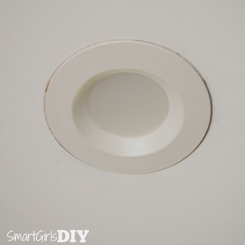 LED retrofit kit for recessed lights