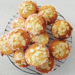 Low Carb Buttery Almond Cup Cakes