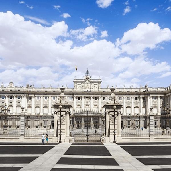 Madrid-Bucket-List-Royal-Palace