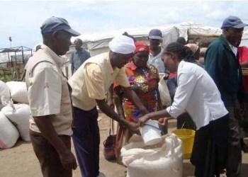 Kenyans receive relief food