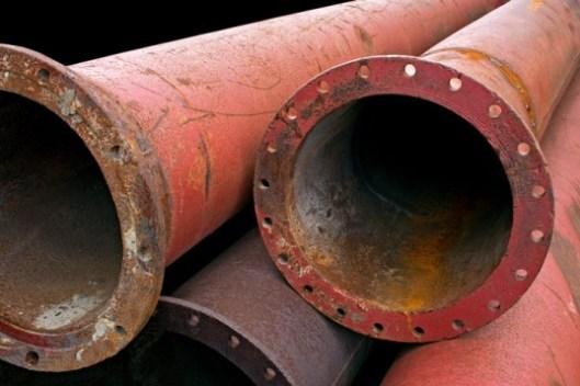 oil exxon-mobil-pipeline-leaks-80000-gallons-of-oil-in-louisiana-1-537x358