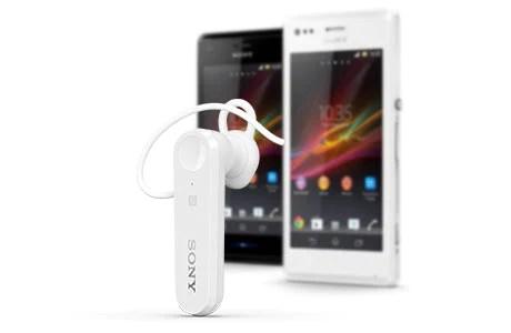 تتيح لك خاصية Multipoint استخدام سماعة الرأس الأحادية Mono Bluetooth Headset MBH10 مع هاتفين في نفس الوقت
