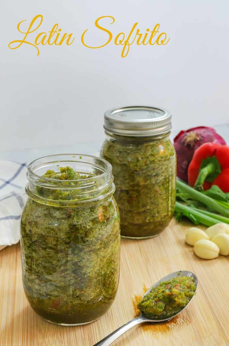 Homemade Latin Sofrito made with pepper, onions, garlic, cilantro, green onions - Smart Little Cookie
