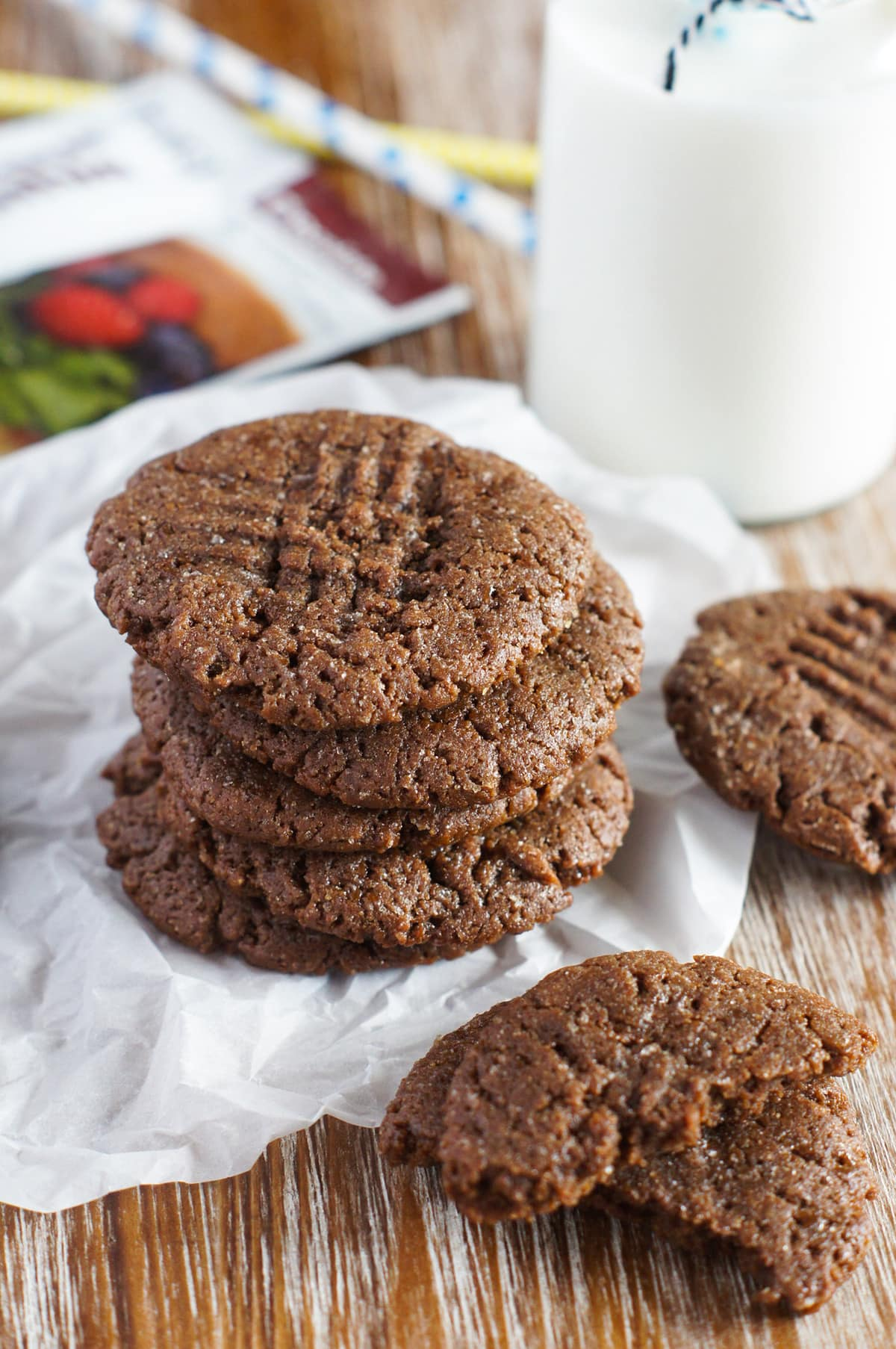 flourless-protein-chocolate-peanut-butter-cookies-8