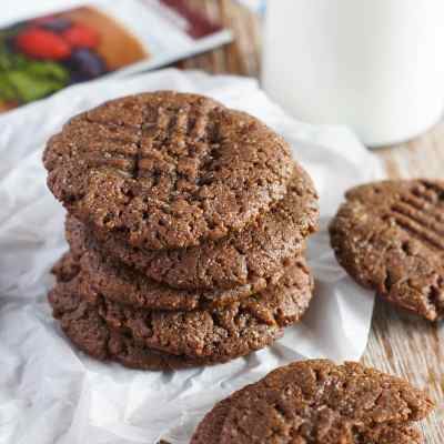 Flourless Protein Chocolate Peanut Butter Cookies