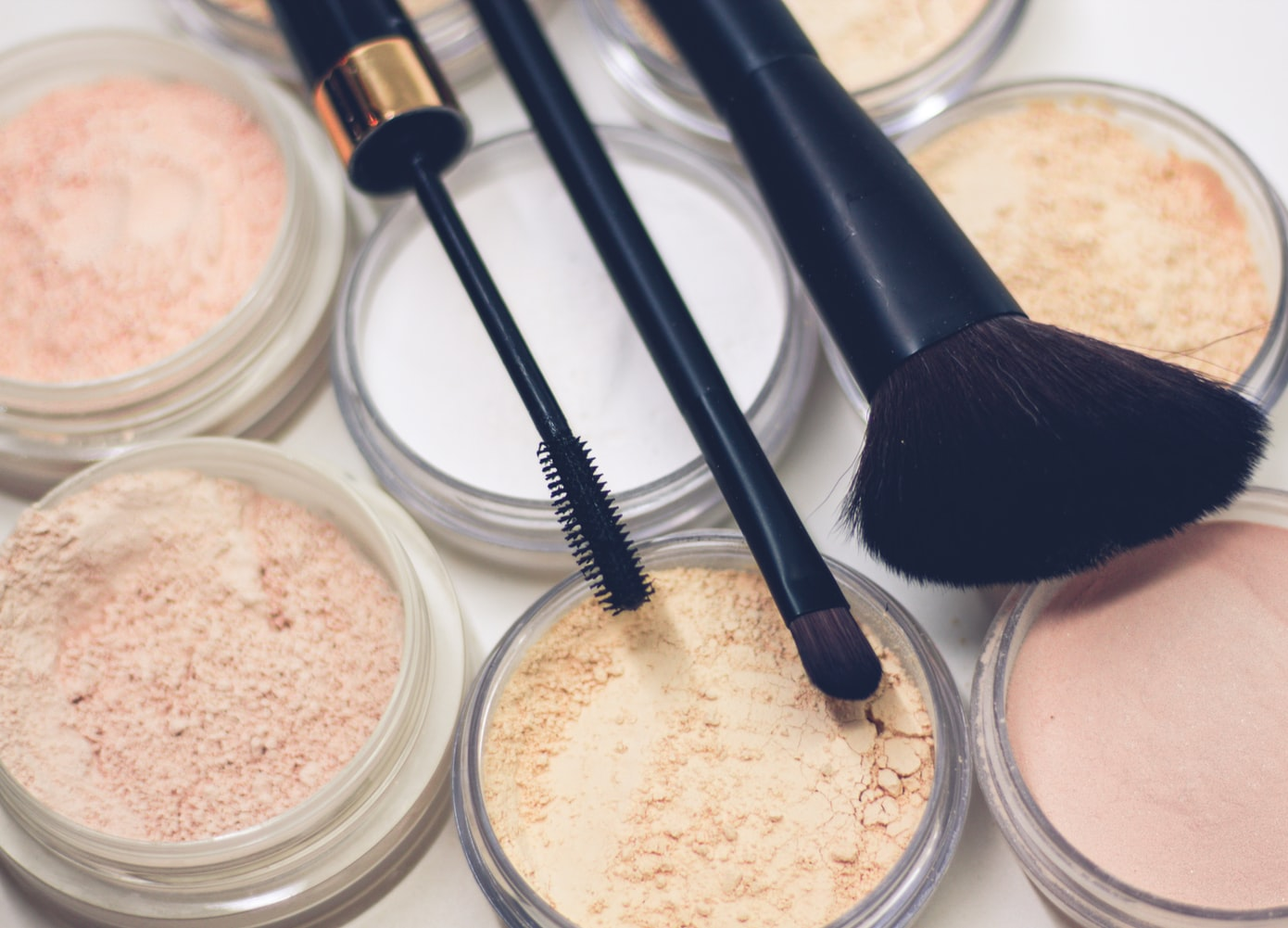 Main Differences Between Liquid & Powder Foundation