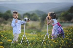 boy-girl-photoing-each-other