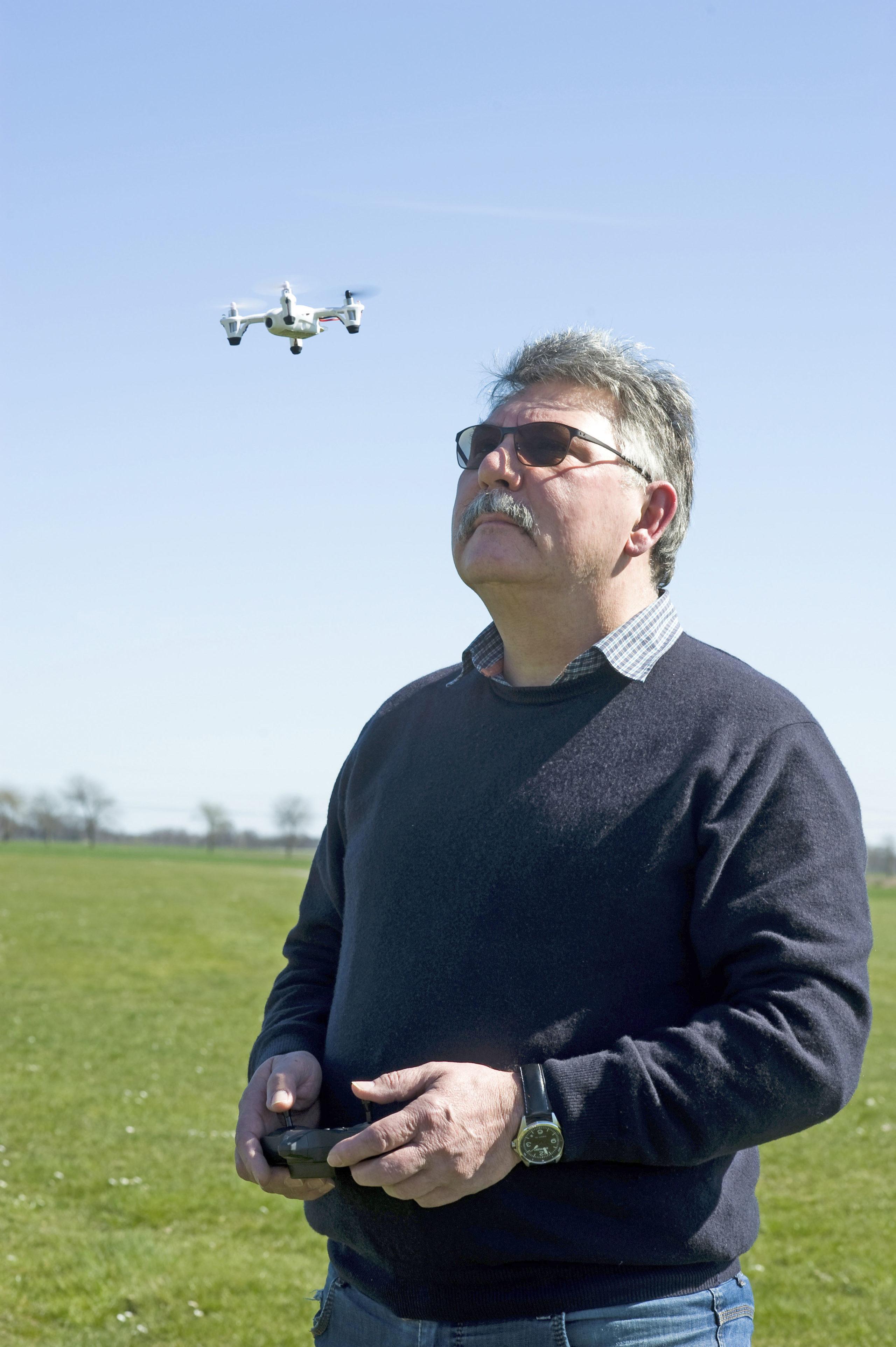 Auch wenn sie noch so klein ist: Jeder Halter einer Drohne benötigt eine Haftpflichtversicherung, dies schreibt der Gesetzgeber vor.