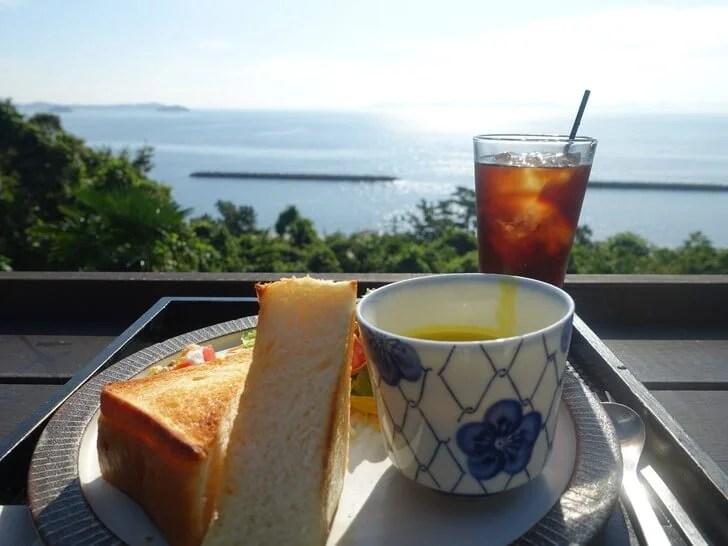 和カフェたらその朝食セットの写真