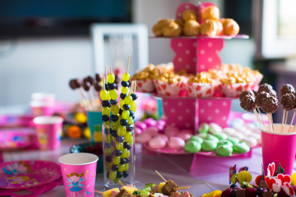 15 Clever Candy Bar Party Ideas Smart Party Ideas