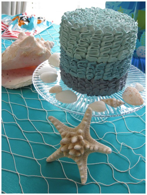 A mermaid and pirate party is the perfect theme when you need to cater to both boys and girls. This party even has a mermaid costume and pirate costume ideas, so everything is catered for. With a beautiful cake and party themed food, this is a party that is going to delight everyone. Now all you need to do is organize your own.