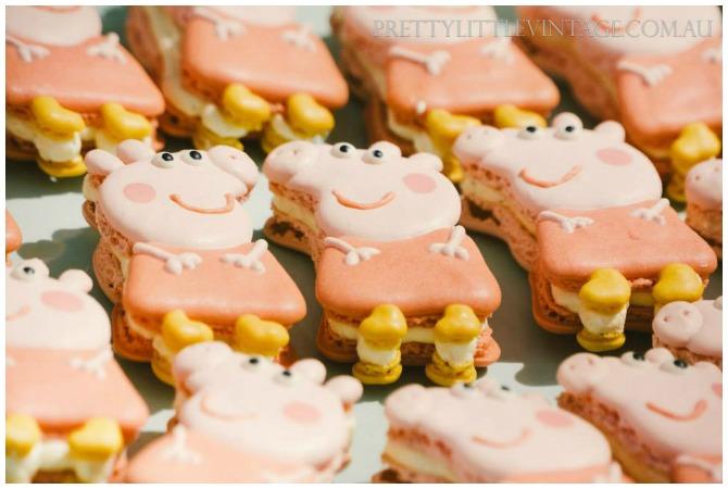 Peppa Pig Macarons