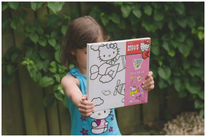Pin the bow on Hello Kitty Prize