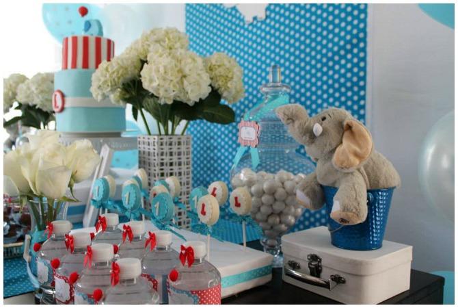 Elephant birthday party decoration