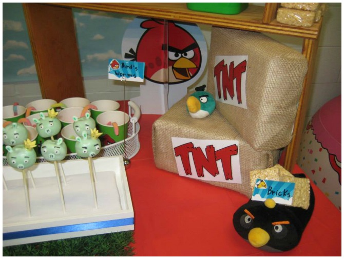 Angry Birds TNT