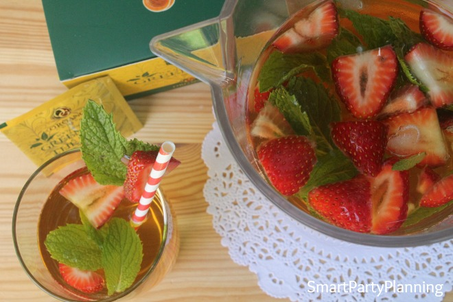 Strawberry and mint infused green tea