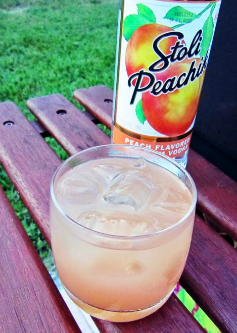 peach vodka seabreeze drink