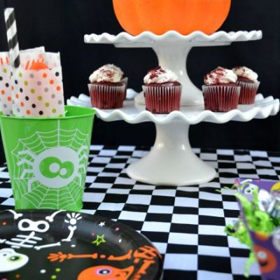 How To Create An Easy Halloween Party Table