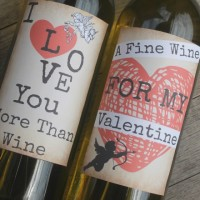 Printable wine labels make the perfect Valentine's Day gift idea. Easy to use, romantic and the best way to celebrate on Valentine's.