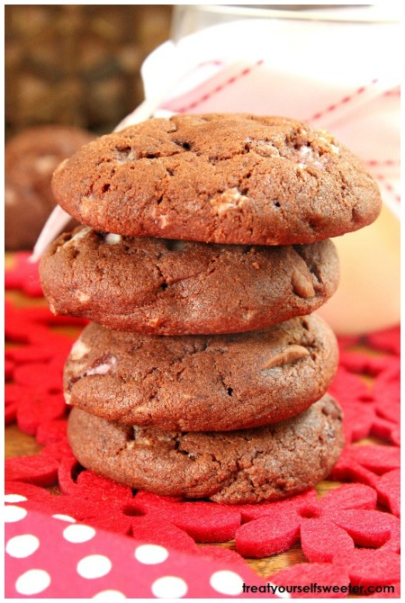 Are you a fan of dunking biscuits in tea? This collection of biscuits is going to become your favorite as you relax with a hot cup of tea in hand. Dunking the biscuits somehow makes them taste even better....if that's even possible. Sit back, relax and enjoy the sensational biscuit recipes that you are going to be baking over and over again. You will have to fight the kids for these!