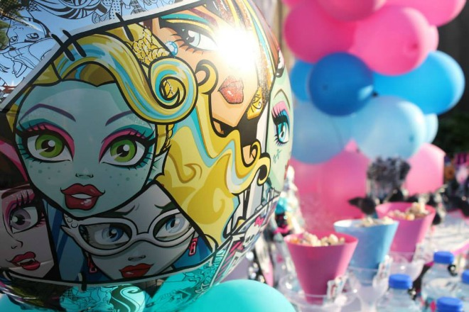 Monster high balloon