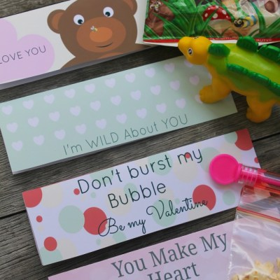 How To Use Valentine Treat Bag Toppers As An Easy Gift
