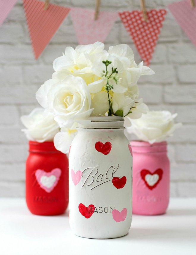 Thumbprint heart mason jar craft
