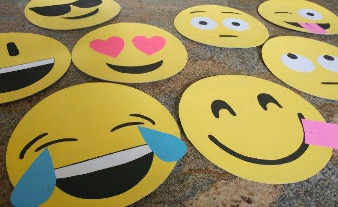 Giant Emoji Faces