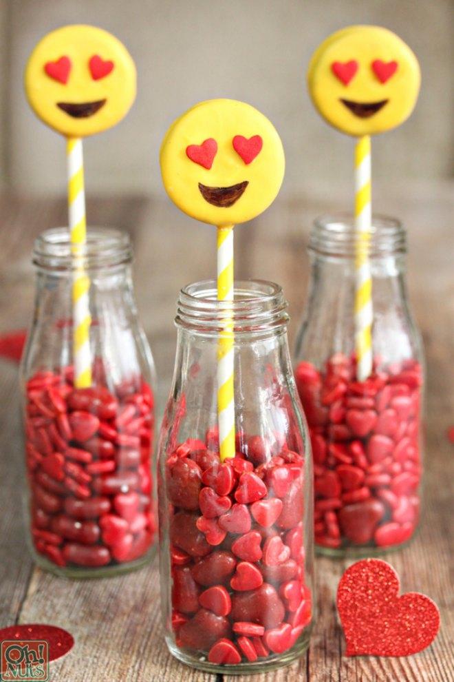 Emoji oreo pops