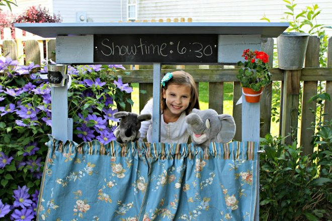 How to make a pallet puppet theatre