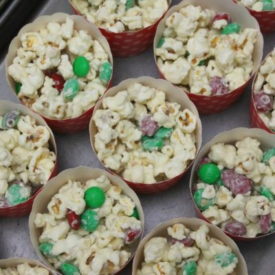 The Most Amazing Easy Christmas White Chocolate Popcorn