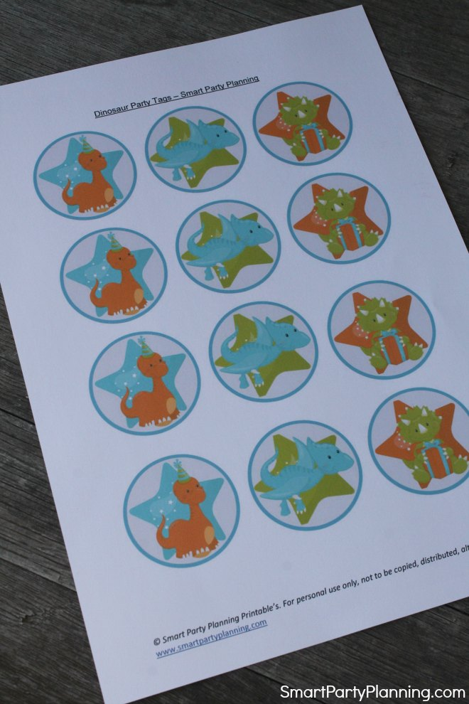 Print out of the dinosaur cupcake toppers