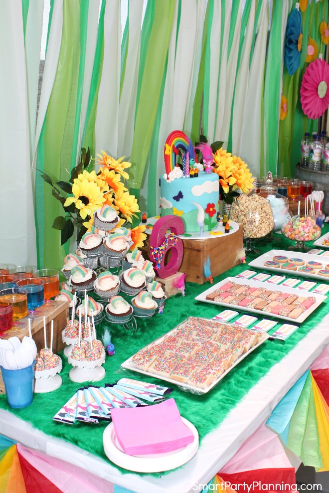 Side view of the Trolls themed birthday party table