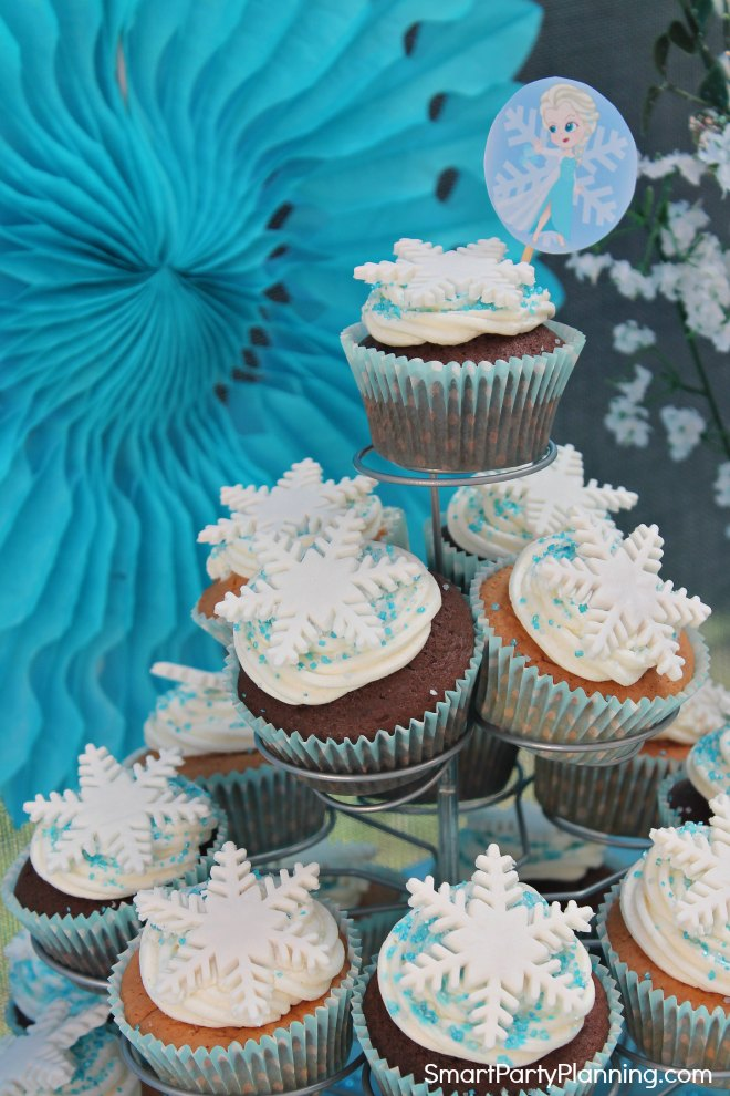 Frozen Party Cupcakes