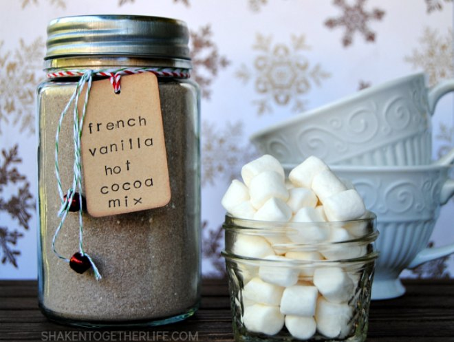 french-vanilla-hot-cocoa-mix-mason-jar-gift