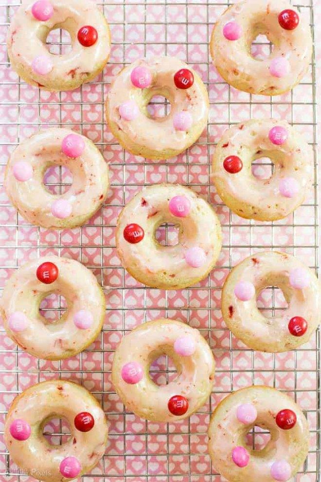 Chocolate-Strawberry-Glazed-Baked-Doughnut-recipe-1-2