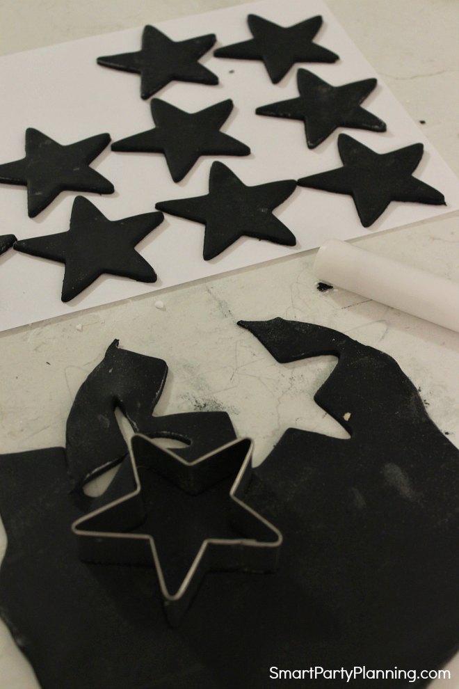 Cutting fondant stars