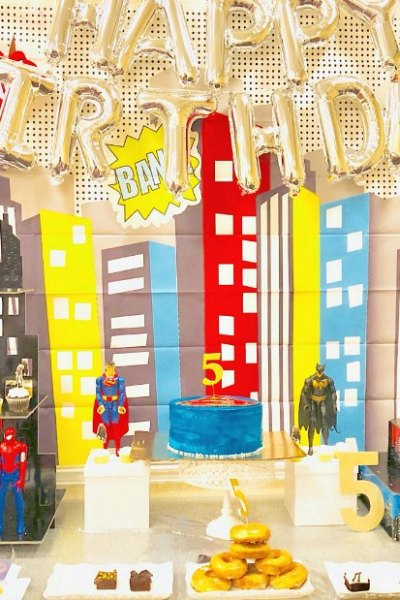 superhero birthday party table