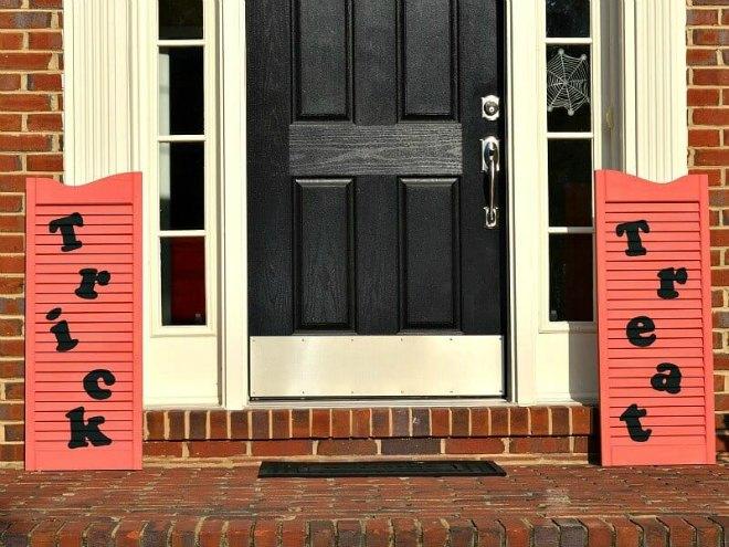 Halloween wood shutters