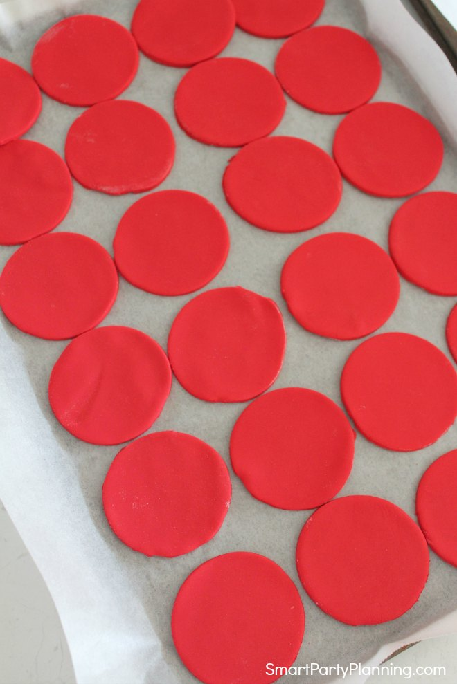 red fondant discs