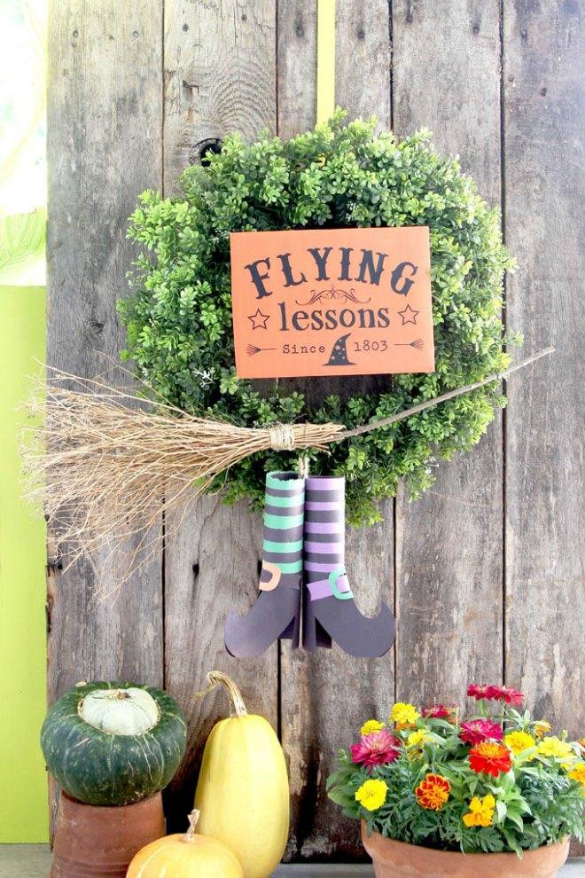 flying-witch-diy-halloween-wreath