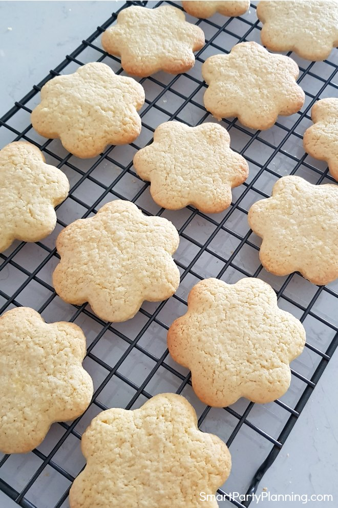 Wire rack of baked shortbread cookies