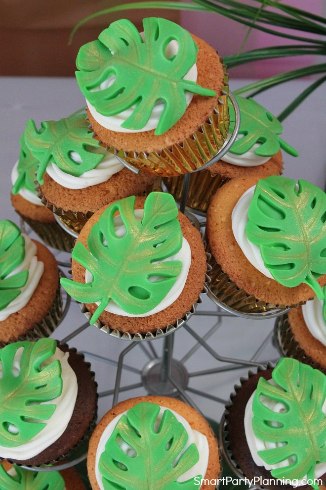 Tropical leaf cupcakes