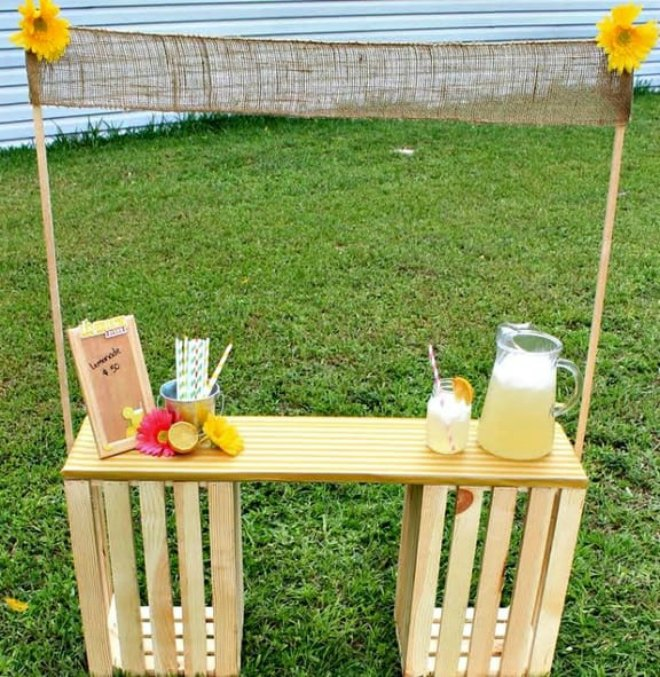 DIY-Wooden-Crate-Lemonade-Stand
